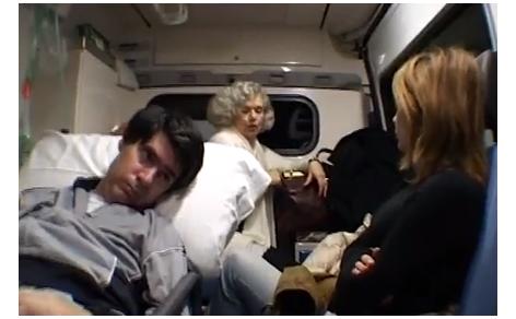 Luca Coscioni in ambulanza con la mamma e Maria Antonietta