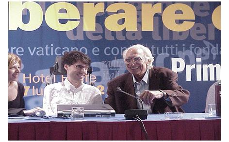 Luca Coscioni descrive il suo percorso politico dal 1995 fino agli ultimi suoi interventi agli eventi organizzati dai radicali
